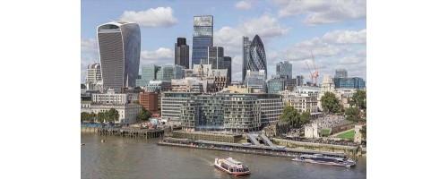 To οικονομικό κέντρο του Λονδίνου θα λειτουργεί με 100% ανανεώσιμη ενέργεια έως τον Οκτώβριο