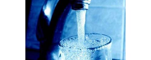 Συσκευή αφαλατώνει και κάνει πόσιμο το νερό με ηλιακή ενέργεια