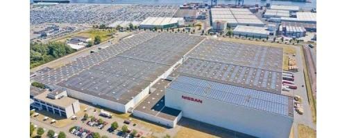Η Nissan έθεσε σε λειτουργία τεράστια οροφή με φωτοβολταϊκά