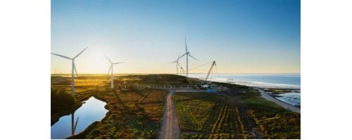 Bloomberg NEF: 11 τρισ. δολ. θα επενδυθούν στην πράσινη ενέργεια μέχρι το 2050